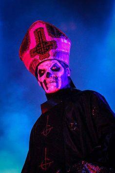 Ghost, Papa Emeritus