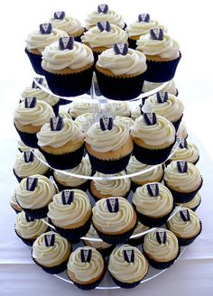 Dedicate your cupcakes to the groom with mini sugar tuxedo toppers