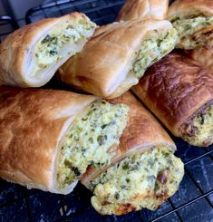Read our delicious recipe for Pesto, Spinach and Ricotta Rolls, a recipe from The Healthy Mummy, which will help you lose weight with healthy recipes. Healthy Mummy Recipes, Tea Recipes, Veggie Recipes, Vegetarian Recipes, Cooking Recipes, Recipies, Lunch Snacks, Savory Snacks, Easy Snacks