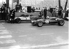Lorenzo bandini ferrari 312 very rare 2 photograph foto monaco grand prix 1967 Lorenzo Bandini, Tag Heuer Monaco, Mario Andretti, Monaco Grand Prix, Ferrari F1, Vintage Race Car, Car And Driver, Formula One, Monte Carlo