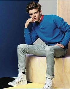 NEW// Thomas in a Photoshoot