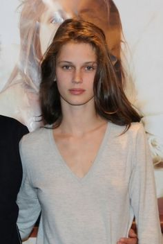 Marine Vacth is a French actress and model ⭐️⭐️⭐️⭐️🌹 French Women Style, French Girls, French Chic, Veronica Lake, Pretty People, Beautiful People, Beautiful Women, Estilo Jane Birkin, Lea Seydoux