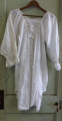 Vintage Saybury Night Shirt Victorian Nightgown by alicksandraflin