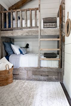 Built-in bunk beds - Barn wood-shiplap walls-kids bedroom inspo Tour our cozy guest cottage bunk room complete with reclaimed wood bunk beds. This small but beautiful space is the perfect hideaway for kid's! Rustic Bunk Beds, Cabin Bunk Beds, Bunk Beds For Girls Room, Beds For Small Rooms, Bunk Bed Rooms, Wood Bunk Beds, Bunk Beds Built In, Bunk Beds With Storage, Modern Bunk Beds