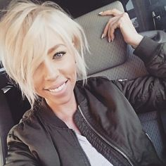 Short choppy bob, pixie, blonde bob, undercut. Whitney Knecht Nunes