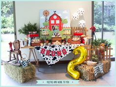 Your little cowboy is having a party and this simple but beautiful table will be the perfect picture for your family pictures Farm Animal Party, Farm Animal Birthday, Barnyard Party, Cowboy Birthday, Farm Birthday, Farm Party, Cowboy Party, Old Macdonald Birthday, Farm Theme