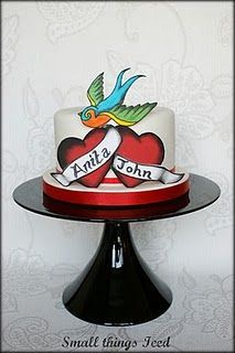 Tattoo inspired cake - swallow with hearts Wedding Party Favors, Wedding Cakes, Ed Hardy Tattoos, Tattoo Cake, Plus Wedding Dresses, Kunst Tattoos, Valentine Cake, Valentines, Cookie Tutorials