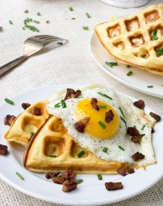 These Savory Cloud Bread Cheddar Waffles (or chaffles) are keto, low carb, grain free and gluten free using my Cloud Bread recipe for the batter! Low Carb Breakfast, Best Breakfast, Breakfast Recipes, Bacon Breakfast, Egg Recipes, Gluten Free Recipes, Low Carb Recipes, Bread Recipes, Recipes Dinner