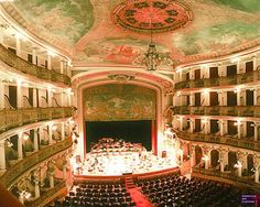 Interior do Teatro da Ópera de Manaus, no estado do Amazonas, Brasil.