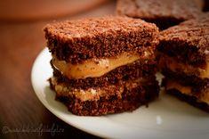 prajitura cu ciocolata si caramel, prajitura cu foi de ciocolata, prajitura cu crema caramel, prajitura de casa cu caramel