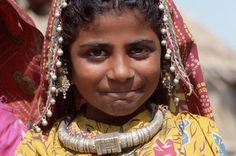 India   Maldhari Girl with Silver Necklace.  Kutch district   © Tiziana and Gianni Baldizzone