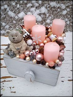 All Details You Need to Know About Home Decoration - Modern Christmas Advent Wreath, Pink Christmas Decorations, Christmas Candles, Christmas Centerpieces, Gold Christmas, Christmas Lights, Christmas Time, Christmas Crafts, Holiday