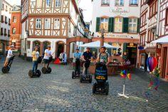 Several Segway riders in the Kirschgarten © Mindway Segway Citytour Mainz. To learn more about #Mainz | #Rheinhessen click here: http://www.greatwinecapitals.com/capitals/mainz-rheinhessen