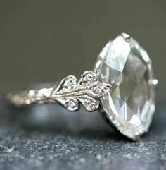 This would be cool if it was in rose gold  3-4crt moissanite
