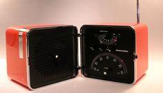 Addio Richard Sapper, signore del design Minimale. Negli anni '60 ideò la radio Brionvega e il telefono Grillo - Exibart.com