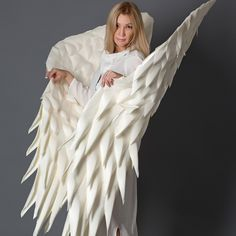 day photoshoot women victoria secret BigFlowersDecor shared a new photo on Etsy Angel Wings Halloween, Angel Wings Costume, Cosplay Wings, Ghost Costumes, Carnival Costumes, Diy Wings, White Angel Wings, Flower Costume, Victoria Secret Show