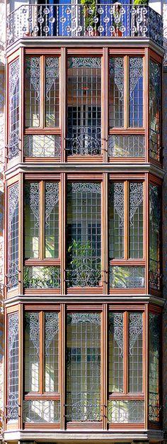 Barcelona - Balmes 065 c by Arnim Schulz, via Flickr