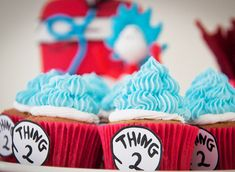 Cat In the Hat Party | Cupcakes