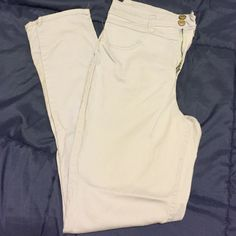 Lavender Rue 21 skinny jeans Super soft material. Very cute LIGHT lavender color . Great for spring  Like new !! Rue 21 Jeans Skinny