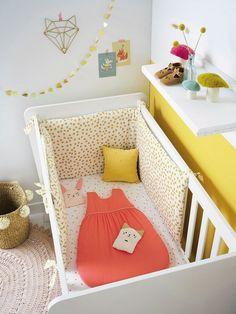Chambre de bébé // 1 : Faites entrer le soleil ! // Chambre blanc jaune et rose // Butterfly Cocoon