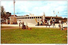 The former Tunku Abdul Rahman Park in KL photo). Looks like photo is taken just behind Merdeka Stadium. Tunku Abdul Rahman, Straits Settlements, Kuala Lumpur, Cool Websites, Singapore, Dolores Park, Old Things, This Or That Questions, City