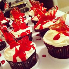 red valvet cupcakes for halloween | For tonight's party: blood red velvet massacre cupcakes, complete ...