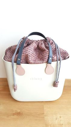 Tote Bags for Women Fashion Handbags, Purses And Handbags, Fashion Bags, Sacs Design, Little Bag, Cute Bags, Backpack Purse, My Bags, Handbag Accessories