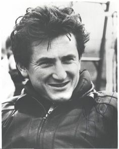 sean penn is def. one of my favorite actors Best Pictures Ever, Cool Pictures, Sean Penn Young, Kickin It Old School, Young Celebrities, Need Friends, Film Director, Attractive Men, Popular Culture