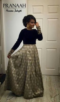 Party Wear Indian Dresses, Indian Gowns Dresses, Indian Fashion Dresses, Dress Indian Style, Indian Designer Outfits, Indian Outfits, Skirt Fashion, Fashion Outfits, Woman Dresses