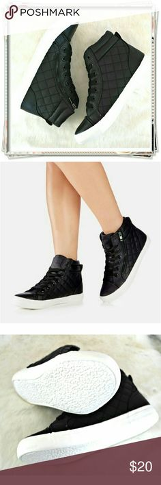 Malonie sneakers. These low tops feature a round toe, adjustable lace up, side functional zipper, and quilted detailing.   Details: cushioned insoles make a bit of platform, just enough for street style. The tit is different for different sizes, ask how certain size runs, or ask for the measurments. The metal zipper is a bit hard to deal with at the beginning.  Please use only ✔OFFER  button for all price negotiations. I'll do a price drop⤵ for you for discounted shipping, if we agree about…
