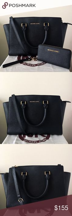 Michael Kors Large Selma With Wristlet A classic set! Both lightly used. Authentic. Shows minor wear on the hardware, see pictures for detail. Please check closely since they are not very noticeable. Thank you. 😊 Measurement: 14*9*4.5 inch Both come with a dust bag. Michael Kors Bags Satchels