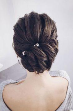 wedding updos for medium length hair,wedding updos,updo hairstyles,prom hairstyles #weddingupdo #weddinghairstyles #diyhairstylesupdo