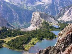 Beartooth Highway - Twin Lakes