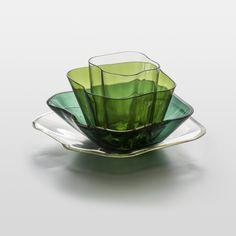 ALVAR & AINO AALTO - Glass sculpture 'Aalto's flower' for Iittala 1939, Finland. [size: 18,3 × 36,4 cm] Glass Design, Design Art, Alvar Aalto, Lassi, New Pins, Finland, Decorative Bowls, Scandinavian, Glass Art