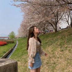 ꒰ 𝐔𝐋𝐙𝐙𝐀𝐍𝐆 ➸ @kkmmmkk ·˚ ༘ ✩ Home Studio Photography, Ulzzang Korean Girl, Uzzlang Girl, Asia Girl, Korean Outfits, Korean Beauty, Cute Dresses, Cool Girl, Beautiful People