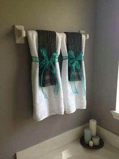 Stylish bathroom towel arrangements