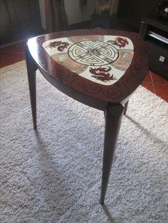 Mesa vintage recuperada e pintada por mim