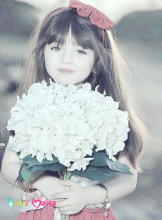 Most Beautiful Share the beauty and love Beautiful Little Girls, Cute Little Girls, Beautiful Children, Beautiful Babies, Cute Babies Photography, Children Photography, Cute Baby Girl Pictures, Cute Pictures, Precious Children