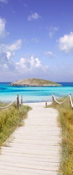 Ses Illetes beach, Formentera island, Spain - Fashitaly All Pictures Menorca, Ibiza Formentera, Beach Fun, Beach Trip, Places To Travel, Places To See, Beach Please, Voyage Europe, Balearic Islands