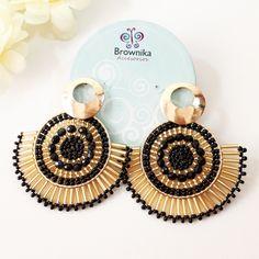 Handmade Wire Jewelry, Beaded Jewelry Designs, Wire Wrapped Jewelry, Paper Earrings, Bead Earrings, Brick Stitch Earrings, Earring Tutorial, Ear Jewelry, Fashion Earrings