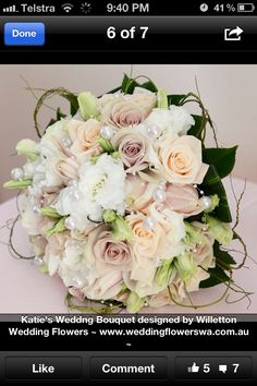 Love the colours in this bridal bouquet <3