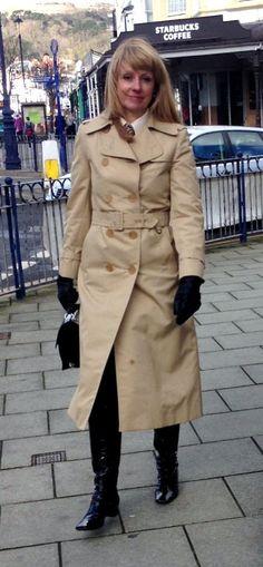 Raincoats For Women Long Sleeve Raincoats For Women, Jackets For Women, Green Raincoat, Double Breasted Trench Coat, Burberry Trench, Vintage Coat, Rain Wear, Rain Jacket, Boots
