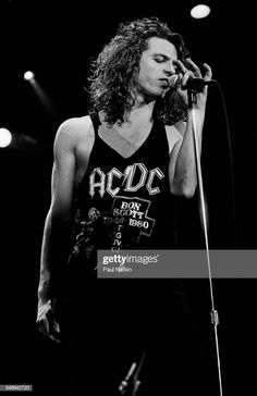 News Photo : Michael Hutchence of INXS at the Miami Arena in...