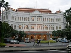 Raffles Hotel - named after the founder of modern Singapore, TS Raffles. The classic, colonial vibe and old-school luxury are blended seamlessly with modern upgrades. The suites boast an airy feel, courtesy of 14-foot ceilings. The Victorian furnishings and exotic elements of décor (Persian rugs, for example) are complimented by luxurious traits like the full-service Amrita. For those who want a true Singapore luxury experience, Raffles is the only real option.