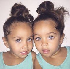 I want gorgeous twins like them ❤️