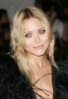 Mary-Kate Olsen at the Metropolitan Museum of Art Costume Institute Benefit Gala 'Poiret: King Of Fashion' in New York City, May 2007