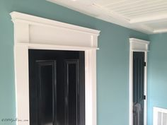 In DIY Craftsman Style Door Casing Part 3 I'll show you how to paint your old doors, change the hardware and I have a video tutorial to demonstrate it! Craftsman Window Trim, Craftsman Style Doors, Interior Window Trim, Craftsman Exterior, Exterior Trim, Diy Exterior, Baseboard Styles, Window Styles, Modern
