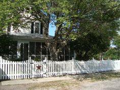 Farmhouse vacation rental in Colonial Beach. Thirteen to sixteen hundread per week. Sleeps 12.
