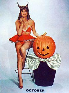 julie-london-1956-halloween-pinup.jpg 640×854 pixels
