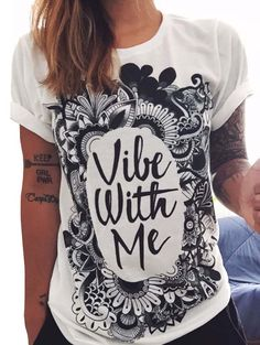 http://fr.romwe.com/White-Letters-Print-Cuffed-T-shirt-p-155603-cat-669.html
